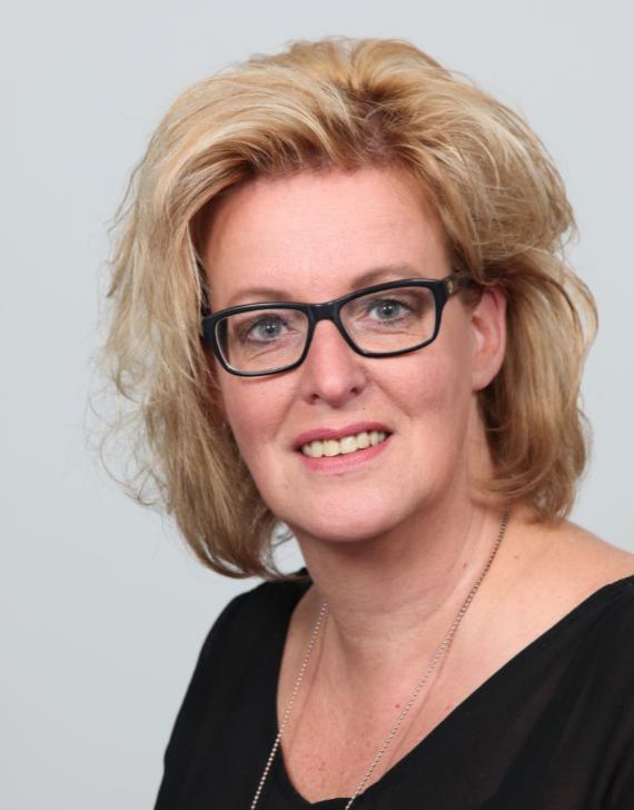 Linda Velthuizen - Kapper bij Clarks Haarmode Woudenberg