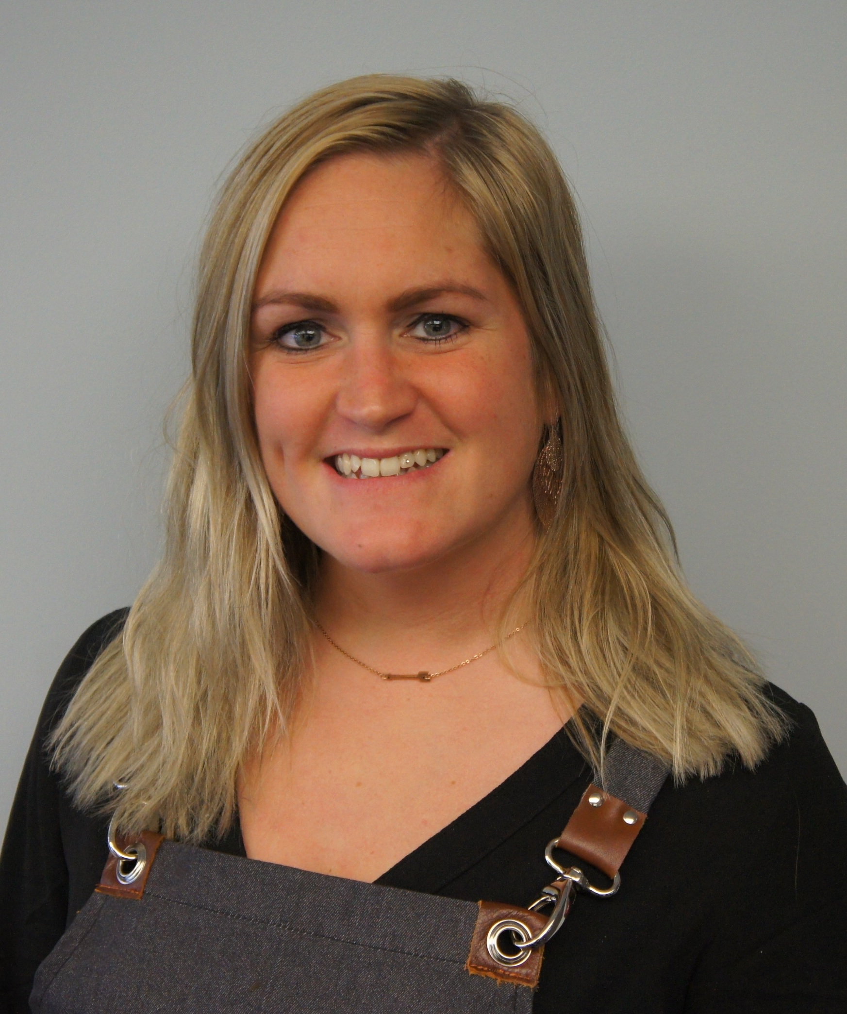 Deborah - Kapper bij Nandas Hairfashion Elst (G)