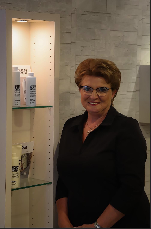 Mieke - Kapper bij Haarverzorging Den Dolder Den Dolder