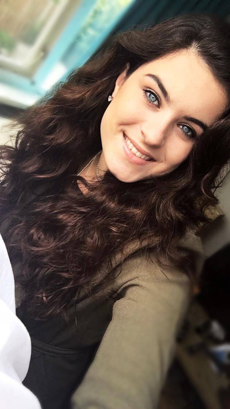 Esmee - Kapper bij Eline Hairstyling Nieuwe - Tonge