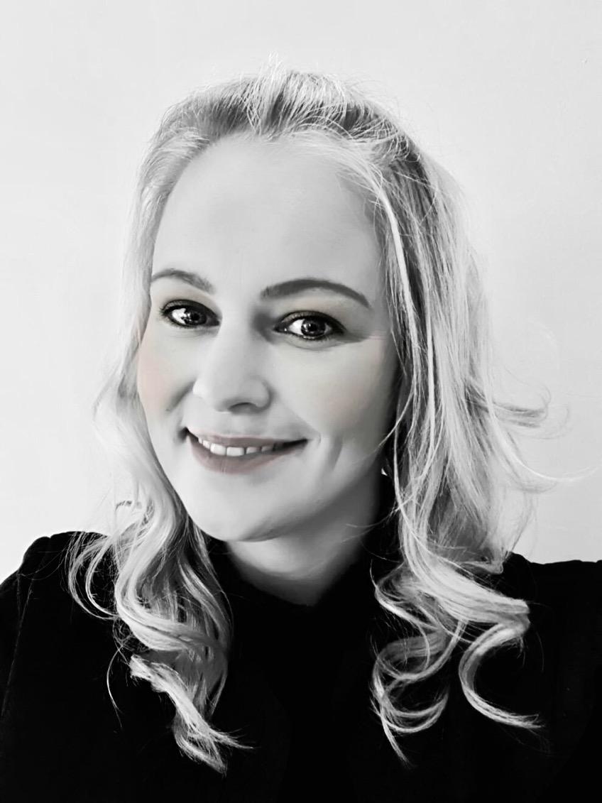 Anja - Kapper bij Your Look Beauty & Hair Beek En Donk