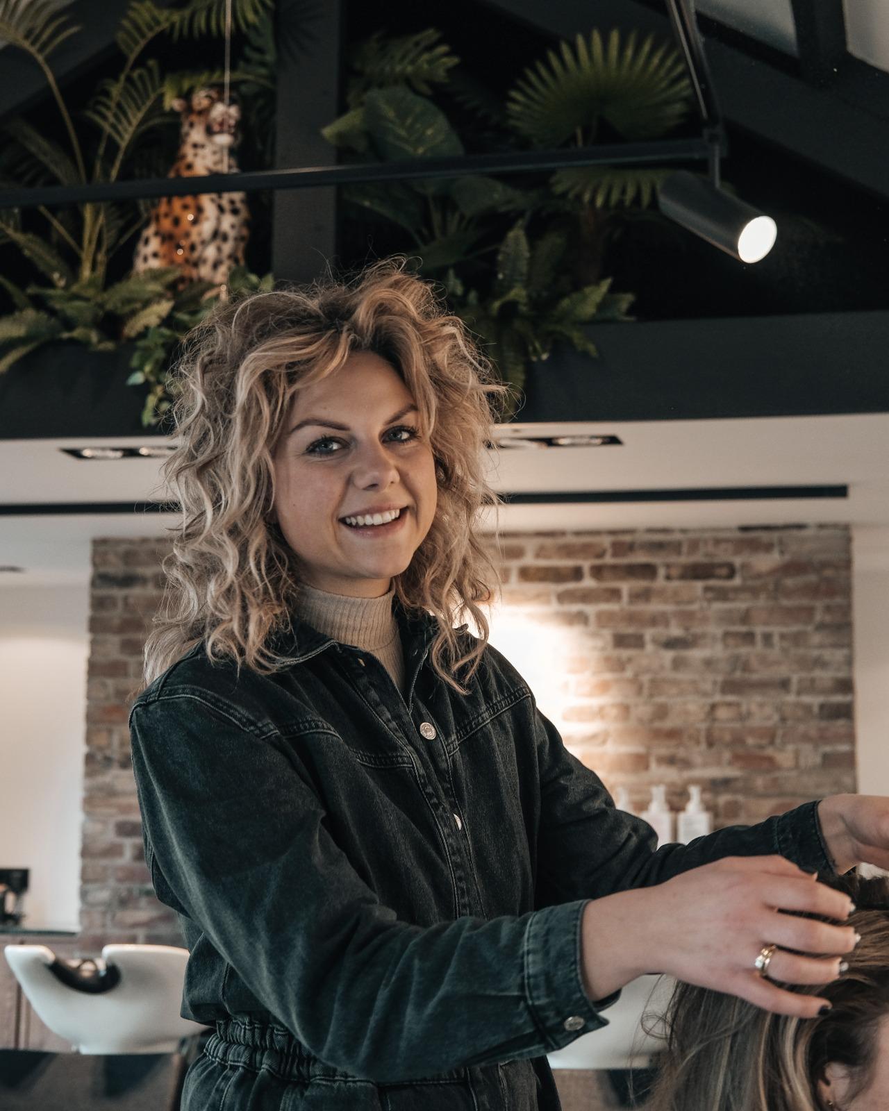 Steffie - Kapper bij Good to be hair Budel