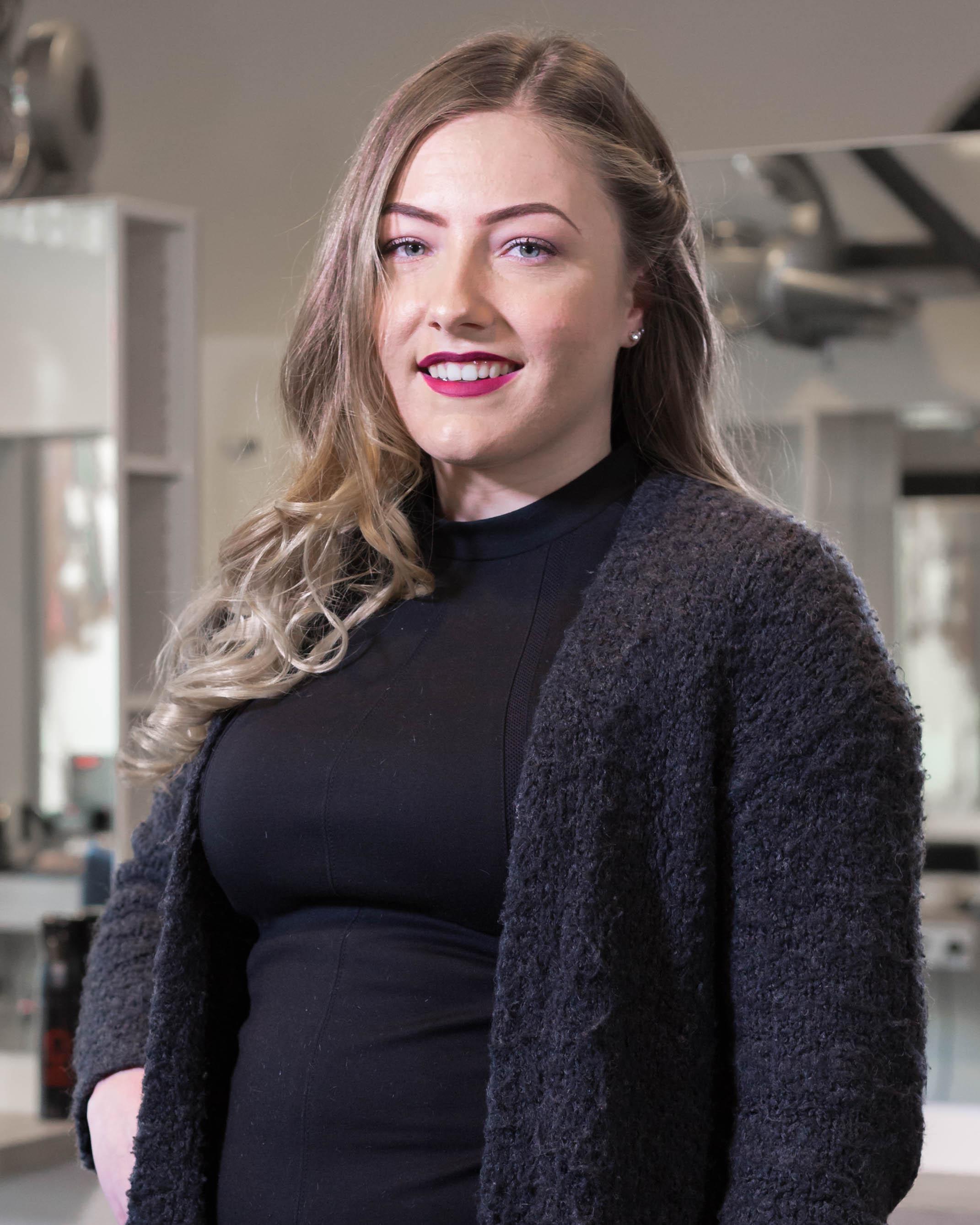 Carlyn - Kapper bij Hairstyling Hélène Stellendam
