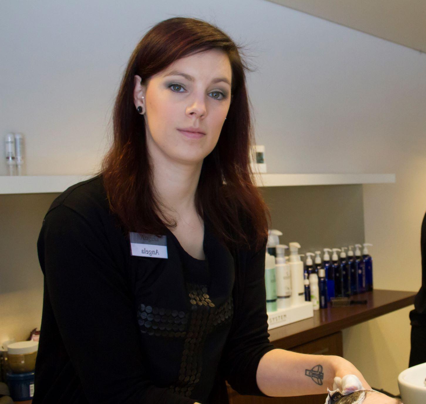 Angela - Kapper bij Salon Toine Overloon