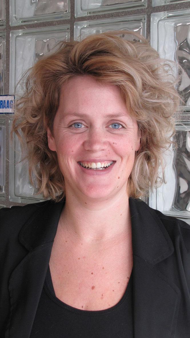 Linda - Kapper bij Louis van Buren (Leharstraat) Tilburg