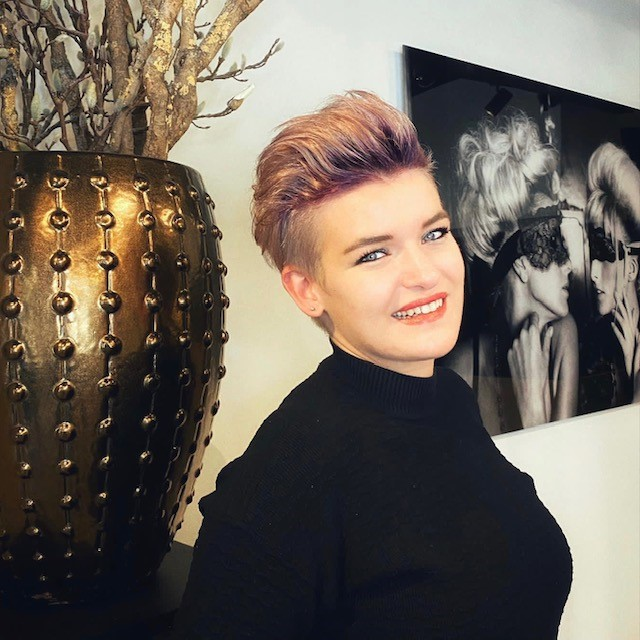 Sigrid - Kapper bij Hair With Compliments Breda