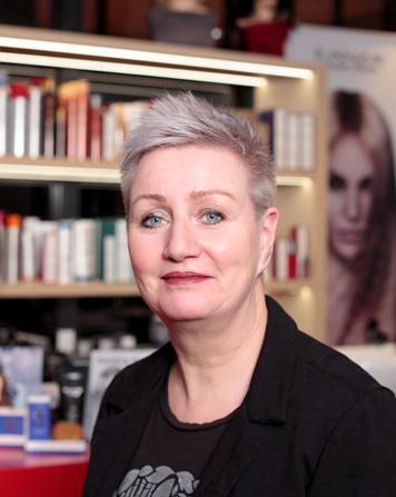 Lydia - Kapper bij Hair Trends (UMC) Amsterdam