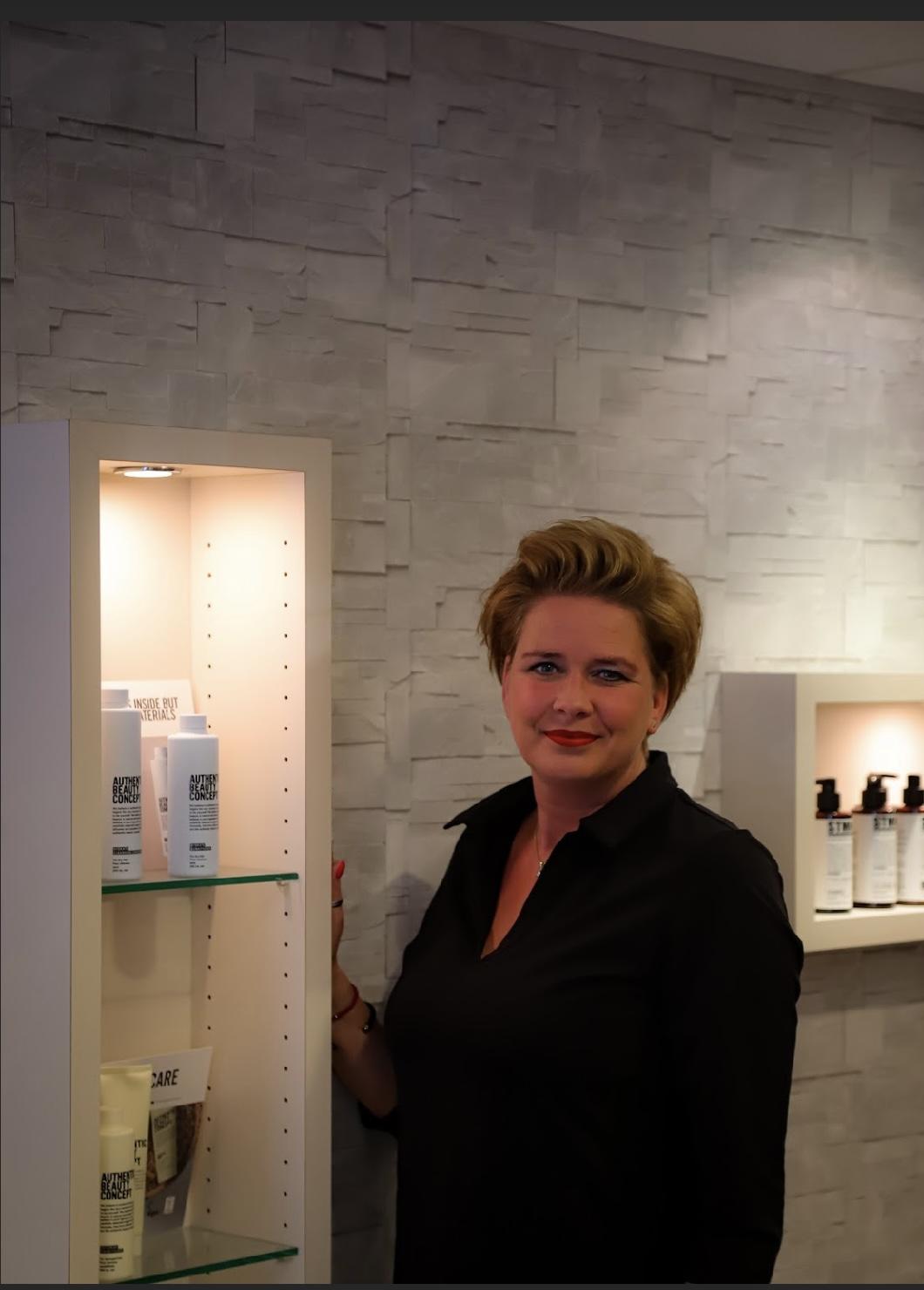 Dominique - Kapper bij Haarverzorging Den Dolder Den Dolder
