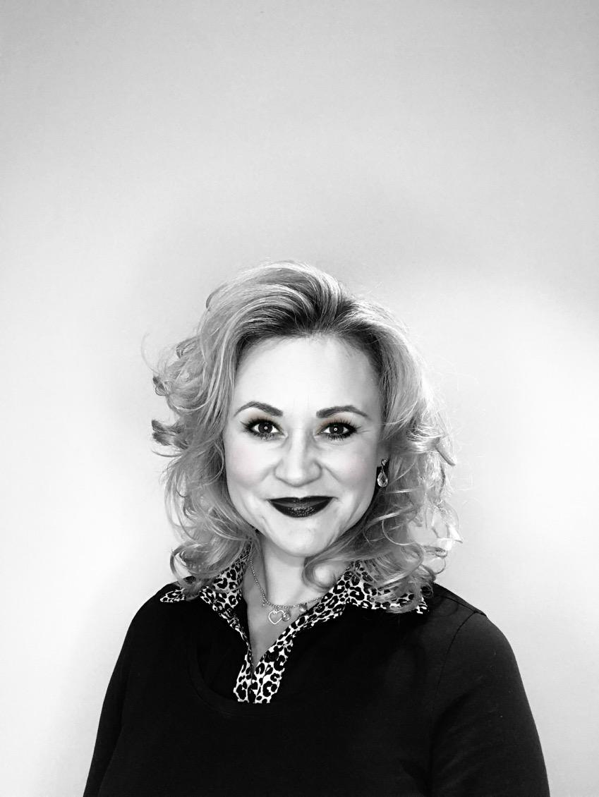 Wendy - Kapper bij Your Look Beauty & Hair Beek En Donk